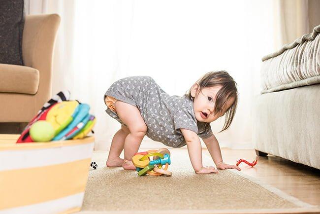 baby_on_floor1
